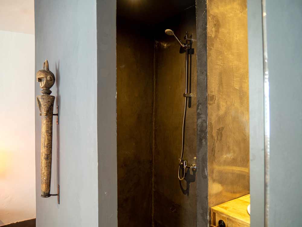 detalle-ducha-habitacion-siki-hotel